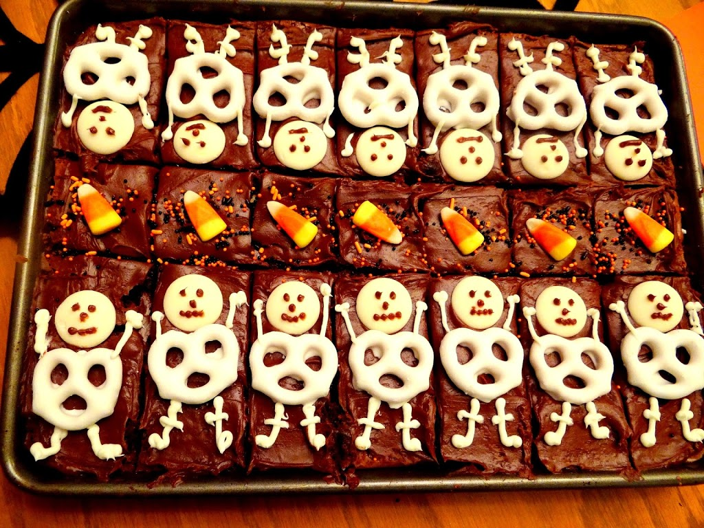 Halloween Brownie Skeletons